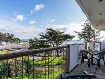 SUPERB SEA VIEWS FROM A FIRST FLOOR APARTMENT