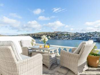 FURNISHED TERRACE WITH VIEWS OVER THE ESTUARY