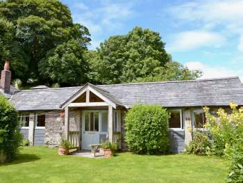 CHARMING SINGLE-STOREY COTTAGE
