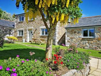 WONDERFUL HOLIDAY COTTAGE