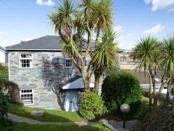 STUNNING, DETACHED, BEACHSIDE HOLIDAY HOME