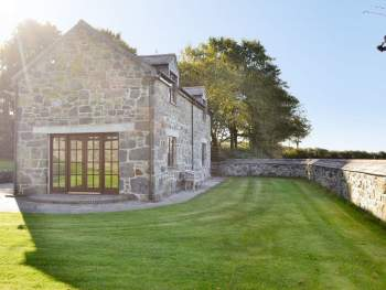 BEAUTIFULLY RESTORED HOLIDAY HOME