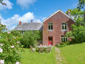 STUNNING GRADE II LISTED HOLIDAY HOME
