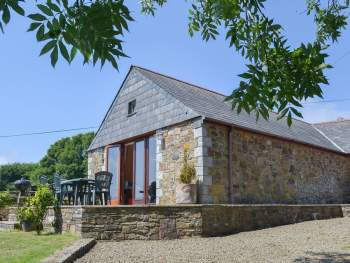 DELIGHTFUL FORMER COACH HOUSE CLOSE TO PORT ISAAC