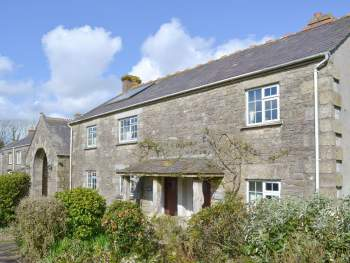 ATTRACTIVE STONE-BUILT COTTAGE