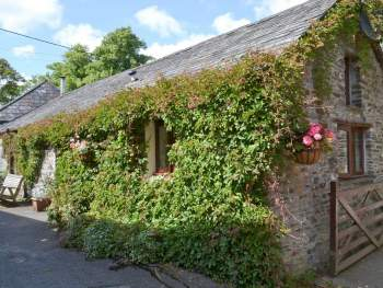 LOVELY IVY COVERED HOLIDAY PROPERTY