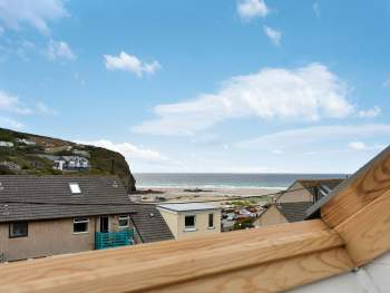 STUNNING SEA VIEWS AND CLOSE TO THE BEACH