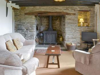 CHARACTERFUL LIVING ROOM