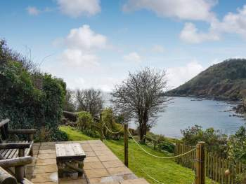 STUNNING SEA VIEWS FROM THE PROPERTY