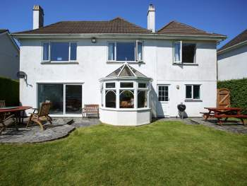 DETACHED HOLIDAY HOME WITH ENCLOSED GARDEN