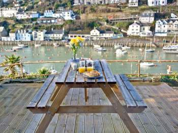 DELIGHTFUL DECKED TERRACE WITH UNRIVALLED VIEWS OF LOOE