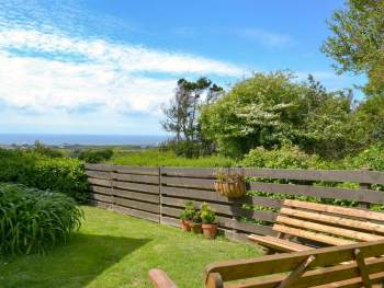 WONDERFUL SEA VIEWS FROM THE GARDEN