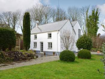 DELIGHTFUL DETACHED PROPERTY SITUATED IN A TRANQUIL LOCATION