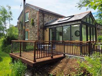 LOVELY HOLIDAY HOME WITH DECKED TERRACE
