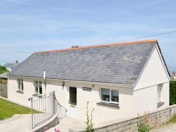 ATTRACTIVE DETACHED HOLIDAY HOME