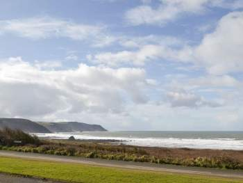 PANORAMIC SEA VIEWS FROM THE FRONT OF THE HOUSE