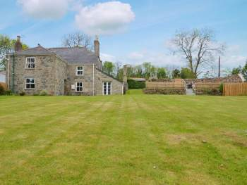 WONDERFUL, LARGE HOLIDAY HOME, WITH EXTENSIVE GARDEN