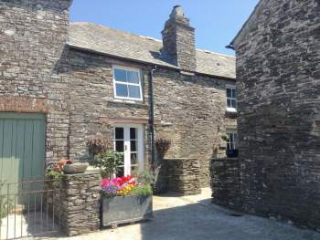 LOVELY HOLIDAY COTTAGE