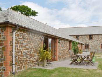 ATTRACTIVE SINGLE-STOREY DETACHED HOLIDAY HOME