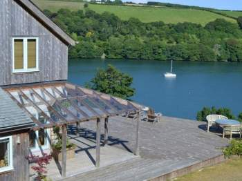 PANORAMIC VIEWS OF THE FOWEY RIVER FROM THE INFINITY DECKING