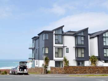 IDEAL APARTMENT WITH STUNNING FISTRAL BEACH TO ONE SIDE