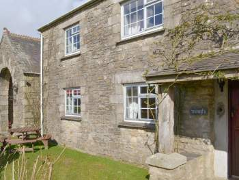APPEALING HOLIDAY COTTAGE