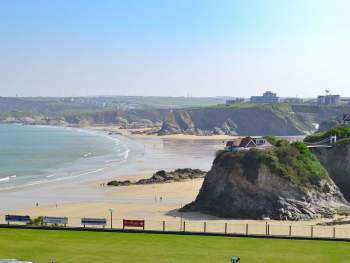 GLORIOUS PANORAMIC VIEWS ACROSS THE BAY, BEACH, TOWN AND COASTLINE