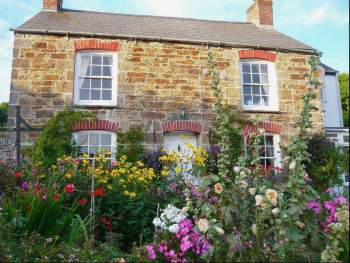 BEAUTIFUL CORNISH COTTAGE