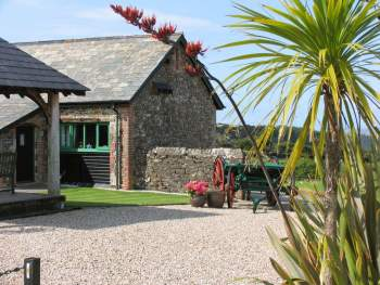 A COMFORTABLE TWO-STOREY HOLIDAY COTTAGE